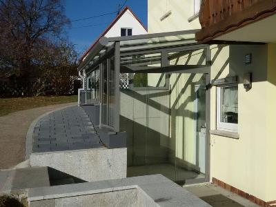 http://www.albrechtmetallbau.de//inc/pixlie/cache/vs_Vorbauten_bild26_a.jpg